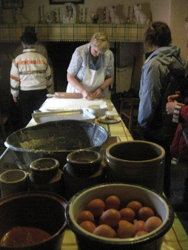 baking demo at Bunratty Folk Park
